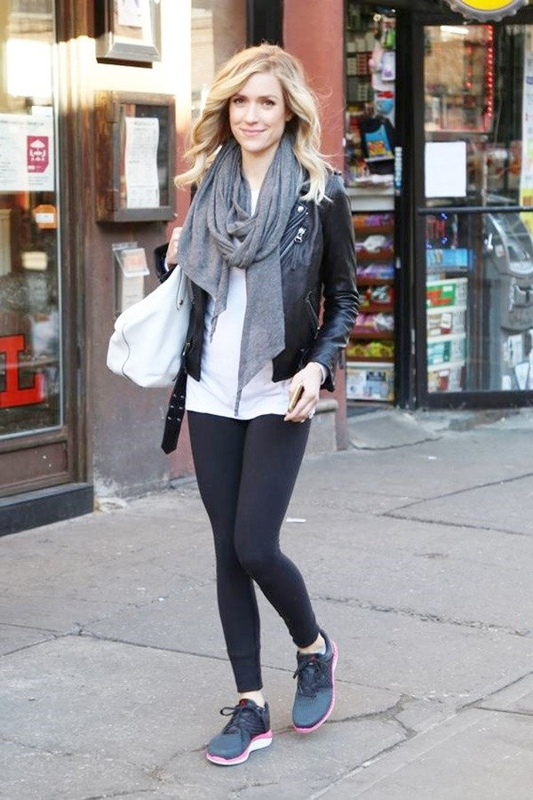 Ways to Wear Your Black Leggings In Style