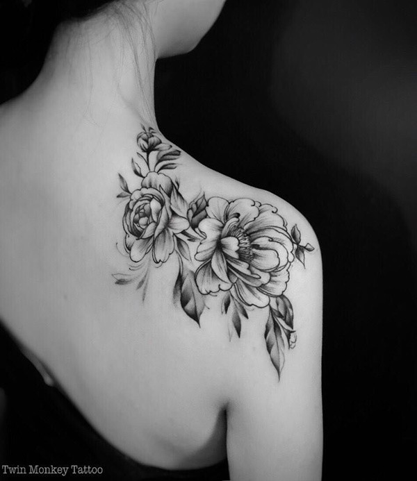 Black And White Floral Shoulder Tattoo Ideas